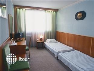 Civis Grand Hotel Aranybika 4