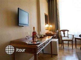 Civis Grand Hotel Aranybika 10