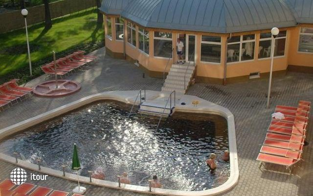 Hungarospa Thermal Hotel  2