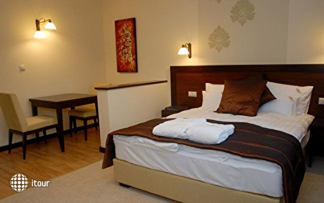 Aurum Hotel 3