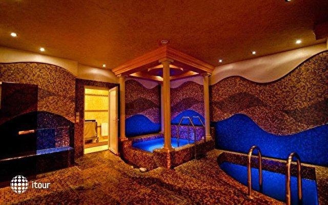 Aurum Hotel 10