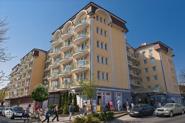 Palace Heviz 1