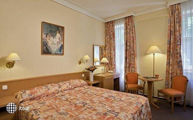 Park Hotel Heviz 4