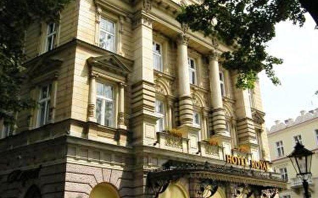 Royal Hotel 3
