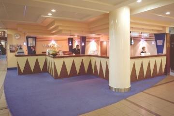 Holiday Inn 7