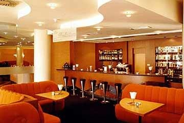Holiday Inn 6