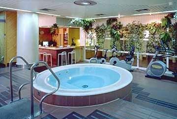 Holiday Inn 4