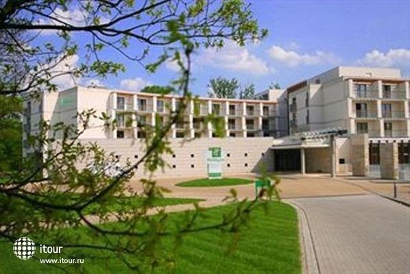 Holiday Inn Warszawa Jozefow 1