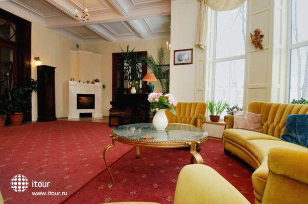 Carlton Guest House 10