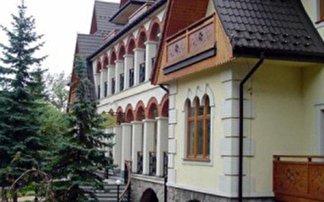 Belvedere 4
