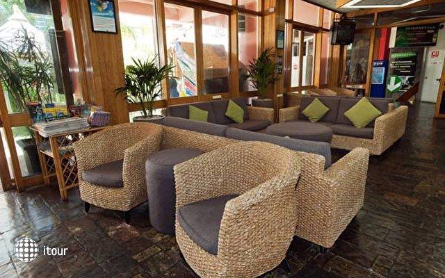 Islander Resort Hotel  5