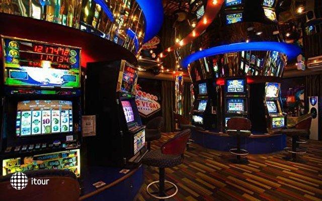Islander Resort Hotel  7