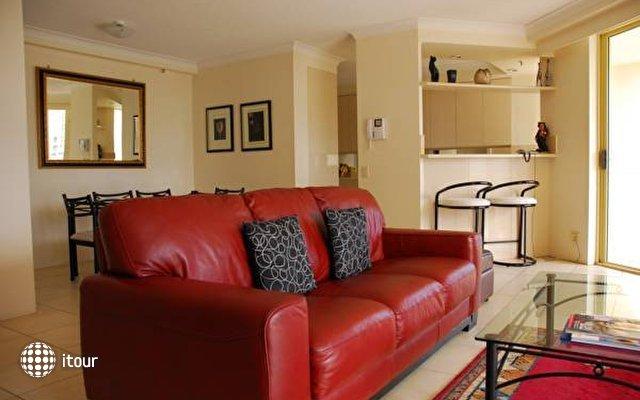 Contessa Holiday Apartments  5
