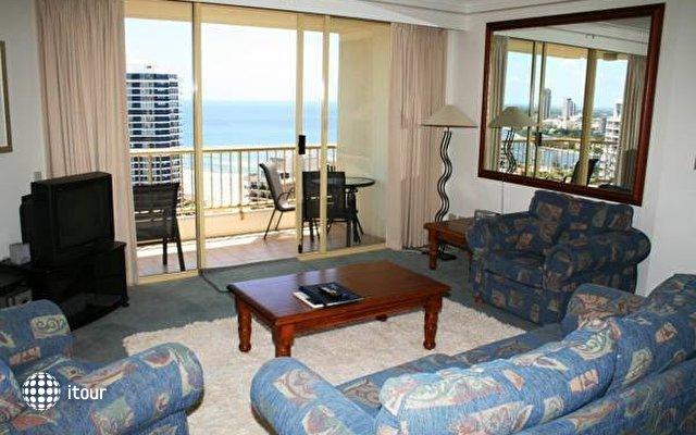 Contessa Holiday Apartments  10