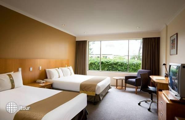 Holiday Inn Potts Point  2