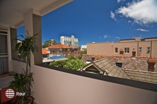 Manly Beachside Apartments 4