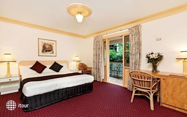 Mclaren Hotel 2
