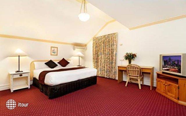 Mclaren Hotel 3