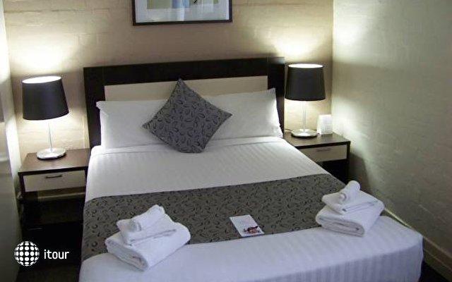 Aarons Hotel Sydney 2