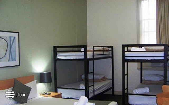 Aarons Hotel Sydney 4