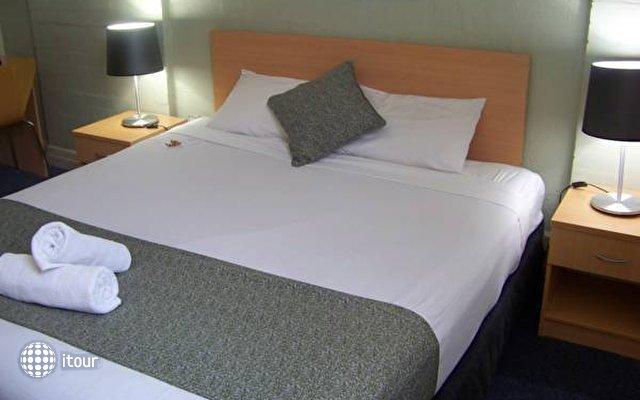 Aarons Hotel Sydney 5