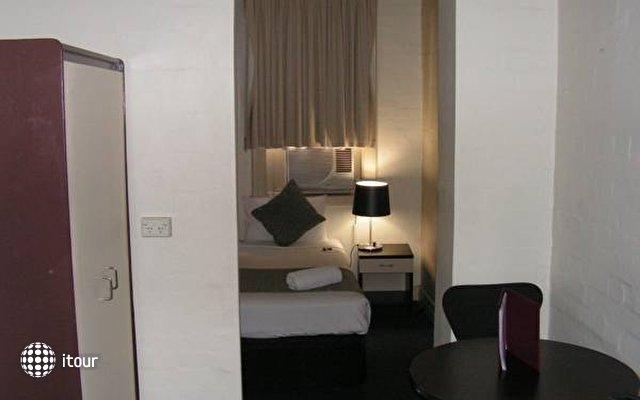 Aarons Hotel Sydney 7