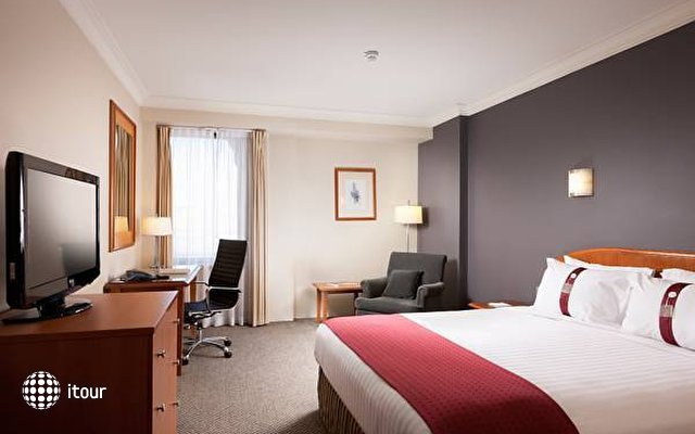 Holiday Inn Darling Harbour 4