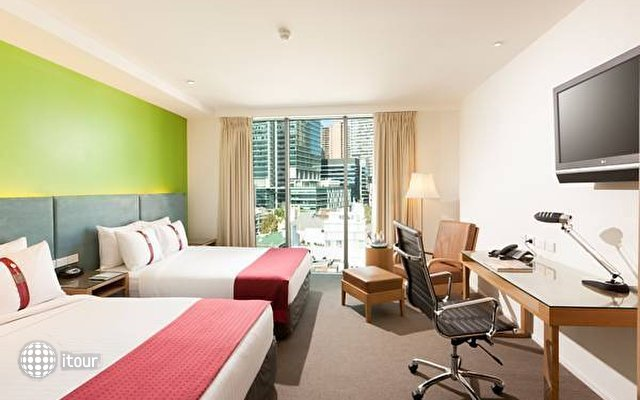 Holiday Inn Darling Harbour 6