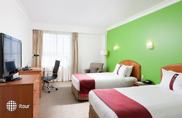 Holiday Inn Darling Harbour 8