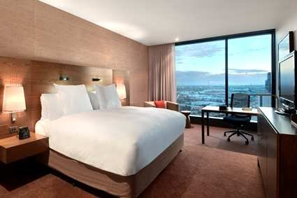 Hilton Melbourne South Wharf 8