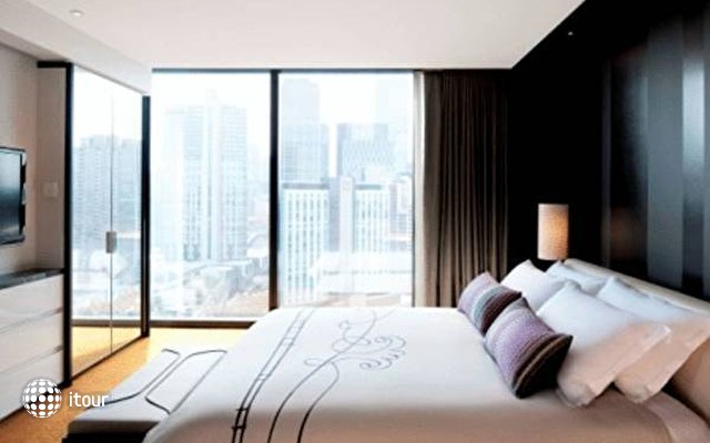 Crown Metropol  1