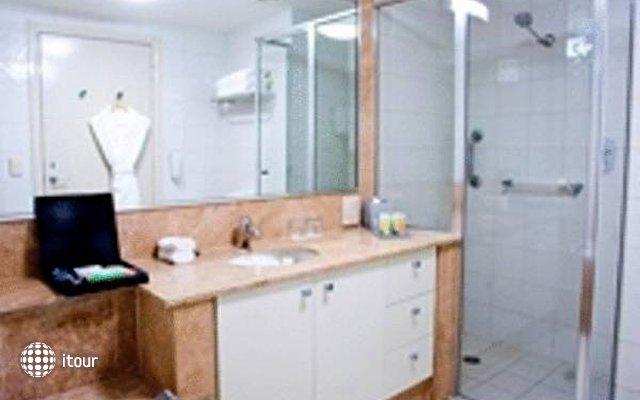 Quay West Suites Melbourne  2