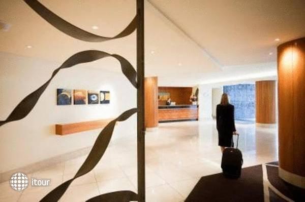 Quay West Suites Melbourne  3