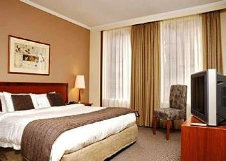 Pacific International Suites Melbourne 5