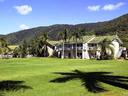 Novotel Palm Cove Resort 1