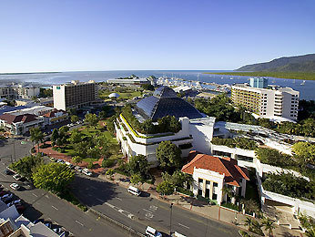 Sofitel Reef Casino Cairns 10