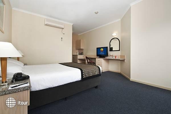 Comfort Hotel Adelaide Riviera  4