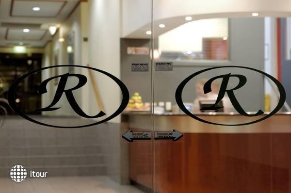 Comfort Hotel Adelaide Riviera  10