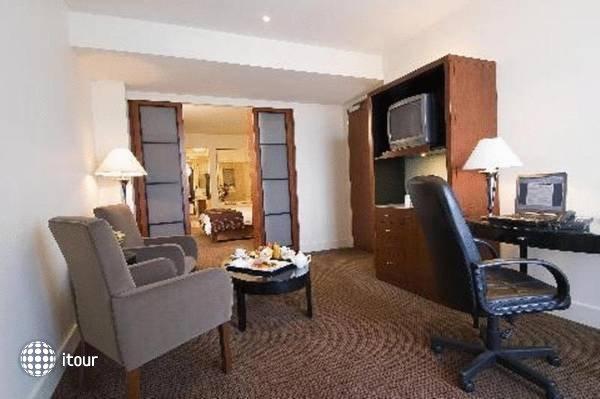 Rendezvous Hotel Adelaide 1