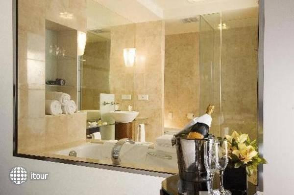 Rendezvous Hotel Adelaide 2