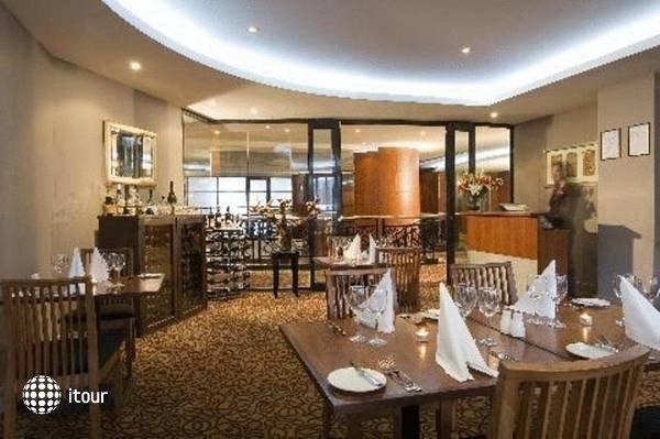 Rendezvous Hotel Adelaide 4