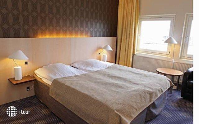Lautruppark Hotel  1