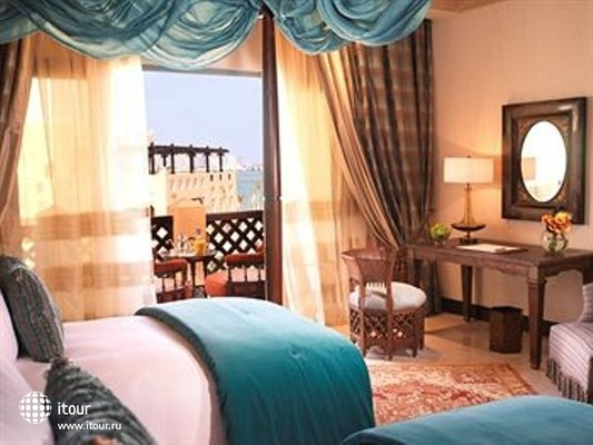 Sharq Village & Spa 7