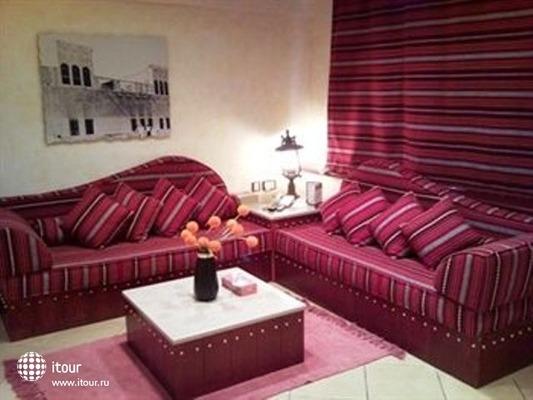 Al Liwan Suites 7