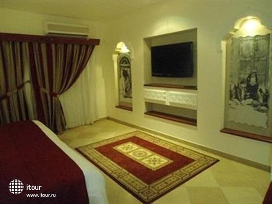 Al Liwan Suites 4