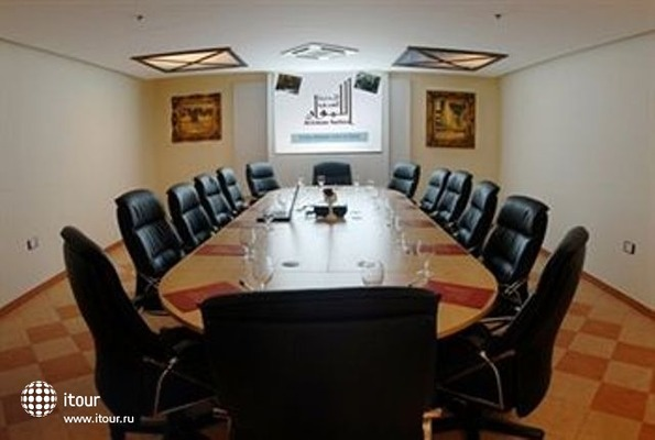 Al Liwan Suites 10