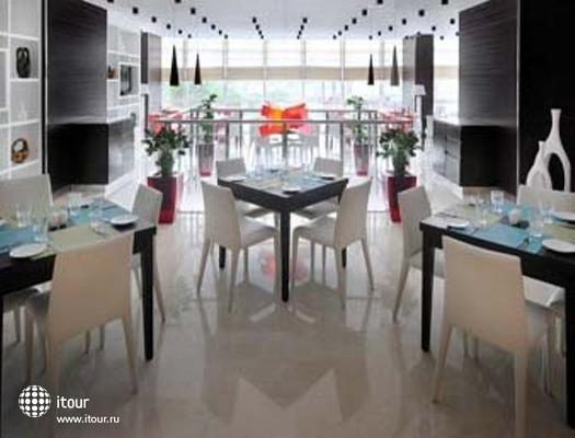 Ramada Encore Doha 4