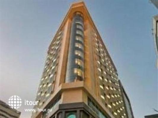 Retaj Royale Doha 1