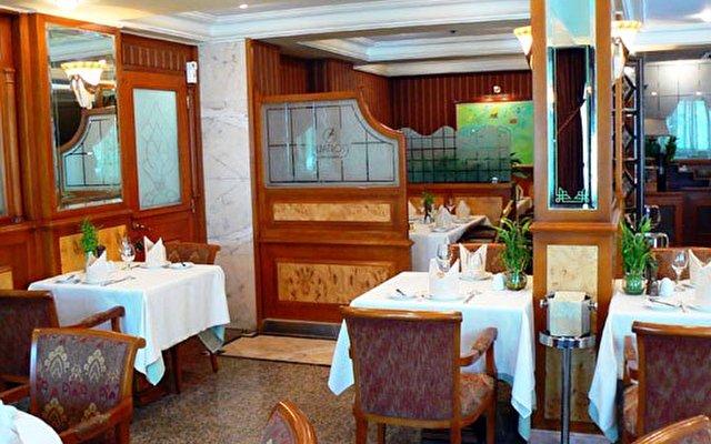 Al Bustan Hotel 3