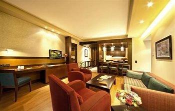 Coral Suites Al Hamra 3